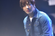 CNBLUE Singer Jung Yong Hwa Shows His Versatile Music Talents During His 1st Solo Concert In Singapore [PHOTOS]