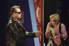 Arnold Schwarzenegger Pranks Fans As The Terminator At Wax Museum