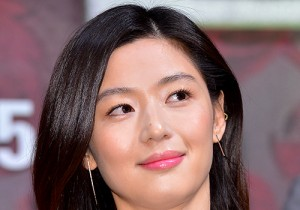 Jun Ji Hyun at a Press Conference of Upcoming Film 'Assassination'