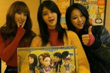 EXID Receives Figurines from Fan, 'Thank You for this Meaningful Gift'