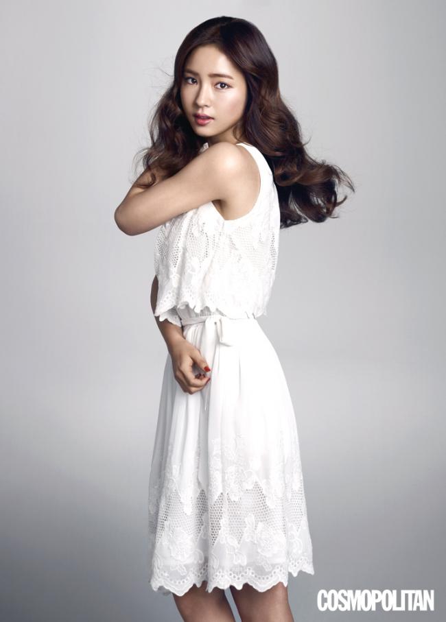 Shin Se Kyung Is Naturally Beautiful In Cosmopolitan News Kpopstarz