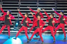 VIXX performing at KCON NY.