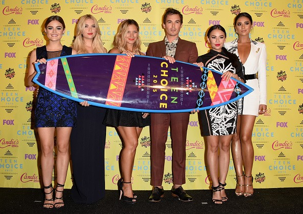 Actresses Vanessa Ray, Lucy Hale, Janel Parrish, Shay Mitchell, and Ashley Benson accept the Choice TV: Drama Show for 'Pretty Little Liars' onstage during the Teen Choice Awards 2015 on August 16, 2015 in Los Angeles, California.key=>2 count6