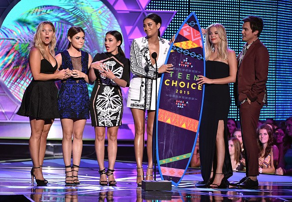 Actresses Vanessa Ray, Lucy Hale, Janel Parrish, Shay Mitchell, and Ashley Benson accept the Choice TV: Drama Show for 'Pretty Little Liars' onstage during the Teen Choice Awards 2015 on August 16, 2015 in Los Angeles, California.key=>5 count6