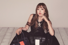 EXID Hani The Star Magazine September 2015 Photoshoot Fashion Paul's Boutique Bags