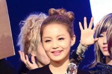 Lee Hi Ranks Number 1 on Billboard K-Pop Chart 2 Weeks in a Row