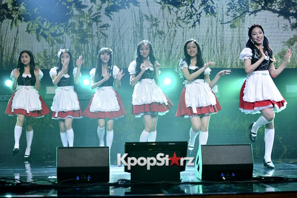 DSP Girl Group APRIL Debut Showcase [Performance] key=>1 count56
