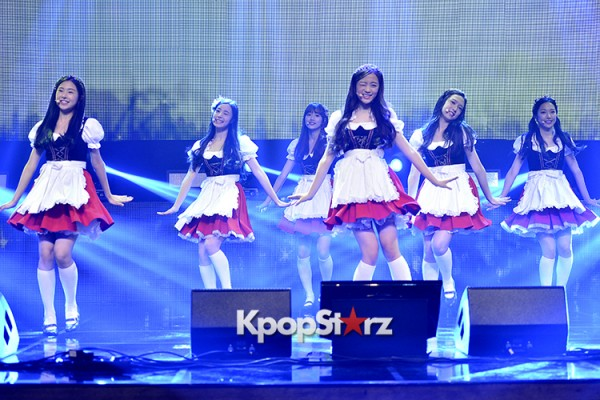 DSP Girl Group APRIL Debut Showcase [Performance] key=>4 count56