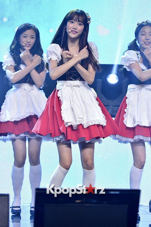 DSP Girl Group APRIL Debut Showcase [Performance] key=>6 count56