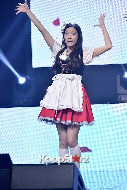 DSP Girl Group APRIL Debut Showcase [Performance] key=>8 count56