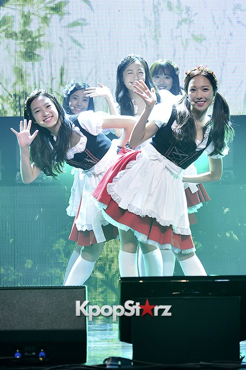 DSP Girl Group APRIL Debut Showcase [Performance] key=>0 count56