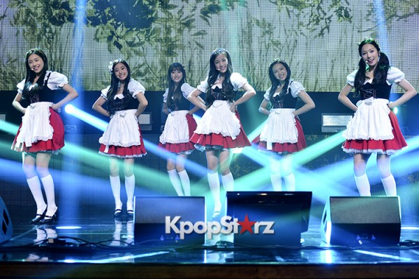 DSP Girl Group APRIL Debut Showcase [Performance] key=>10 count56