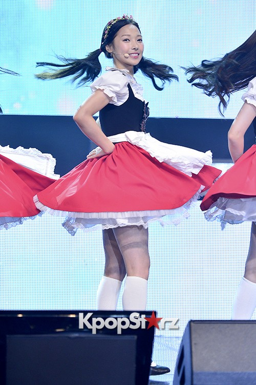 DSP Girl Group APRIL Debut Showcase [Performance] key=>13 count56