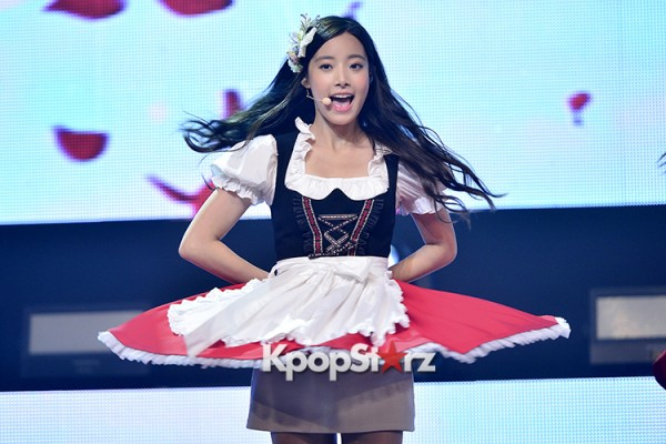 DSP Girl Group APRIL Debut Showcase [Performance] key=>17 count56