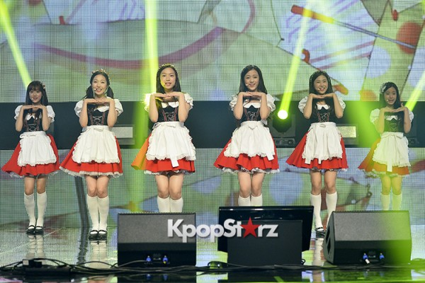 DSP Girl Group APRIL Debut Showcase [Performance] key=>28 count56