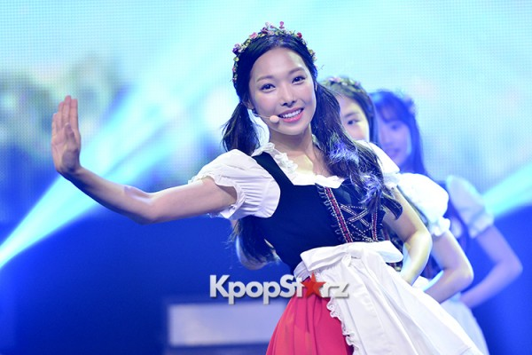 DSP Girl Group APRIL Debut Showcase [Performance] key=>29 count56