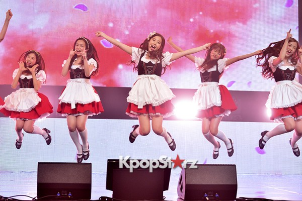 DSP Girl Group APRIL Debut Showcase [Performance] key=>31 count56