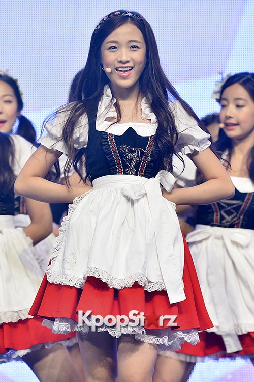DSP Girl Group APRIL Debut Showcase [Performance] key=>33 count56