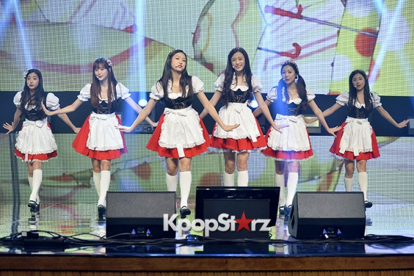 DSP Girl Group APRIL Debut Showcase [Performance] key=>35 count56