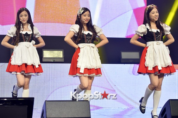 DSP Girl Group APRIL Debut Showcase [Performance] key=>38 count56