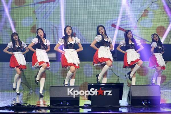 DSP Girl Group APRIL Debut Showcase [Performance] key=>39 count56