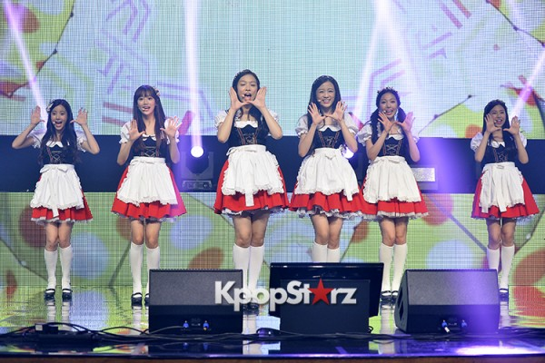 DSP Girl Group APRIL Debut Showcase [Performance] key=>42 count56