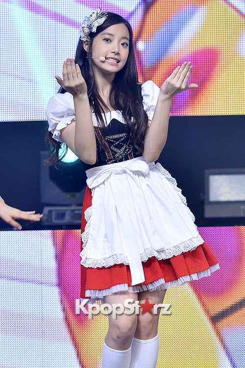 DSP Girl Group APRIL Debut Showcase [Performance] key=>43 count56