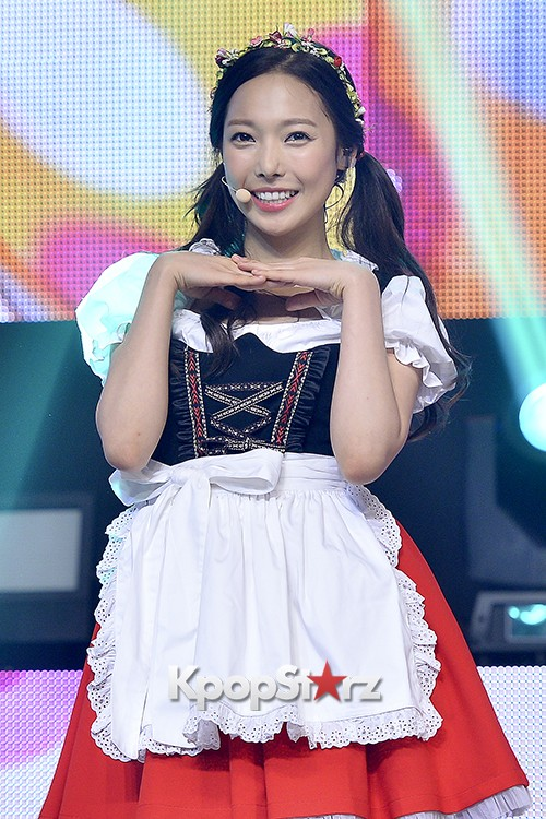 DSP Girl Group APRIL Debut Showcase [Performance] key=>46 count56