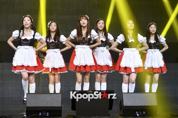 DSP Girl Group APRIL Debut Showcase [Performance] key=>50 count56