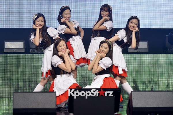 DSP Girl Group APRIL Debut Showcase [Performance] key=>52 count56