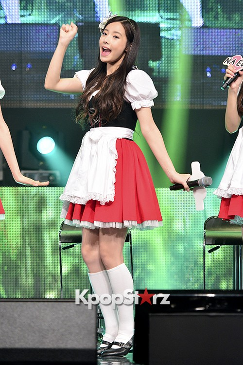 DSP Girl Group APRIL Debut Showcase [Talk]key=>16 count47
