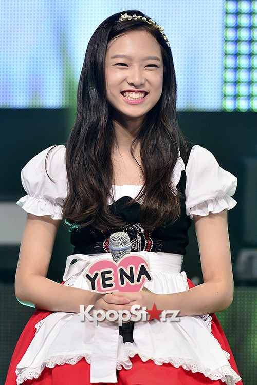 DSP Girl Group APRIL Debut Showcase [Talk]key=>20 count47