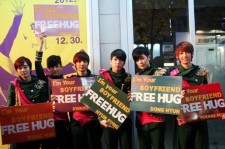 Boyfriend 'Free Hug' Event Cancels Due to Massive Crowd