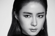 Korean Actress Shin Se Kyung Harper's Bazaar Magazine September 2015 Photoshoot