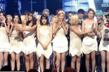 Girls' Generation win their seventh trophy