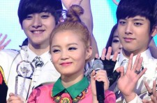 Lee Hi Ranks Number 3 on U.S. Billboard K-Pop Chart 3 Weeks in a Row