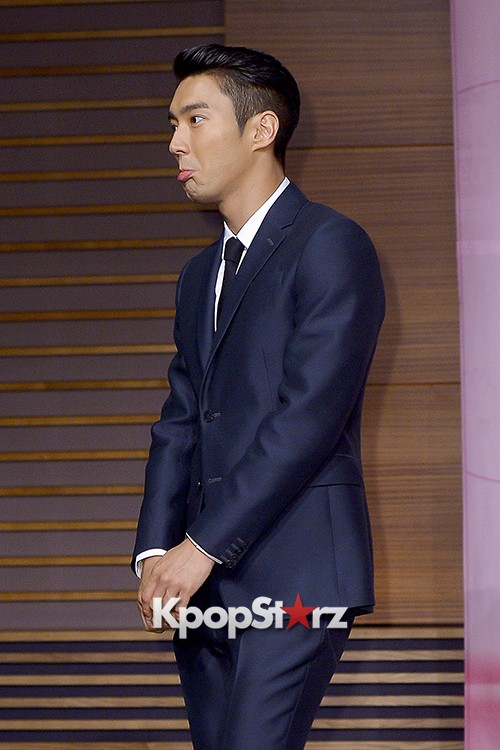 Super Junior's Choi Siwon at a Press Conference of MBC Drama 'She Was Pretty' key=>13 count39