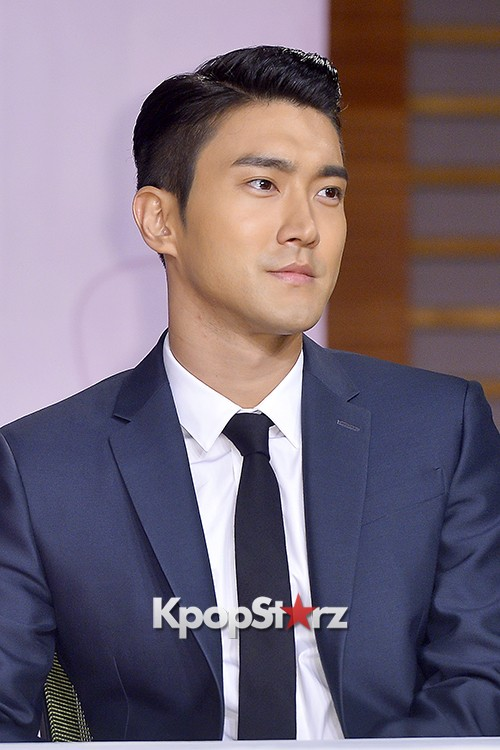 Super Junior's Choi Siwon at a Press Conference of MBC Drama 'She Was Pretty' key=>15 count39