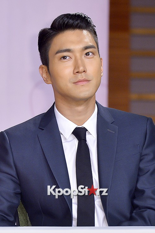 Super Junior's Choi Siwon at a Press Conference of MBC Drama 'She Was Pretty' key=>16 count39