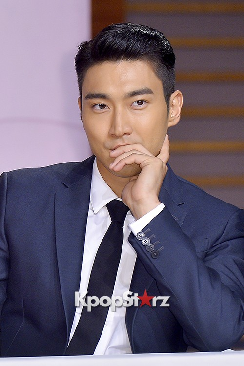 Super Junior's Choi Siwon at a Press Conference of MBC Drama 'She Was Pretty' key=>17 count39