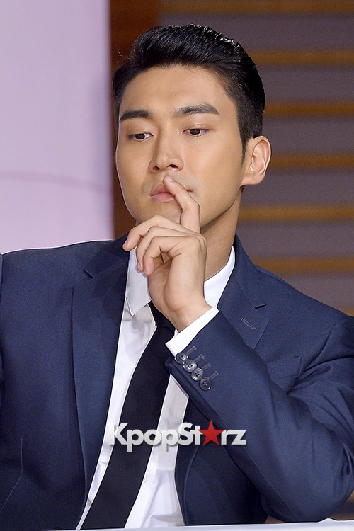 Super Junior's Choi Siwon at a Press Conference of MBC Drama 'She Was Pretty' key=>20 count39
