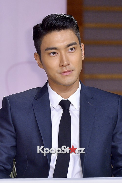 Super Junior's Choi Siwon at a Press Conference of MBC Drama 'She Was Pretty' key=>25 count39
