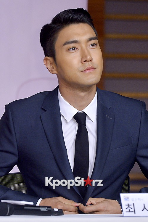 Super Junior's Choi Siwon at a Press Conference of MBC Drama 'She Was Pretty' key=>32 count39