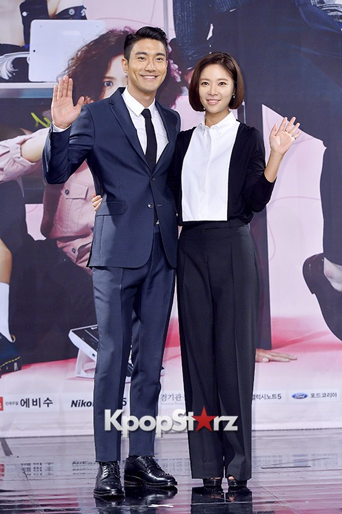 Super Junior's Choi Siwon at a Press Conference of MBC Drama 'She Was Pretty' key=>35 count39