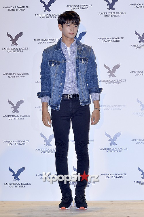 SHINee's Minho Attends American Eagle Outfitters Launching Event key=>3 count20