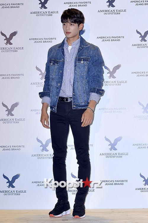 SHINee's Minho Attends American Eagle Outfitters Launching Event key=>7 count20