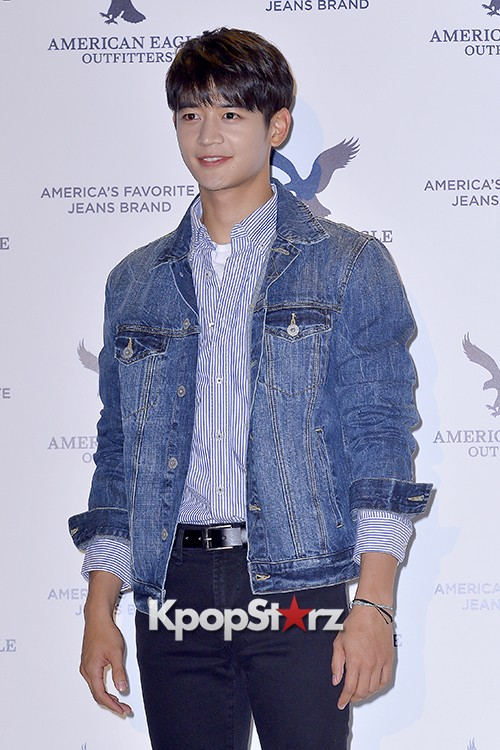 SHINee's Minho Attends American Eagle Outfitters Launching Event key=>12 count20