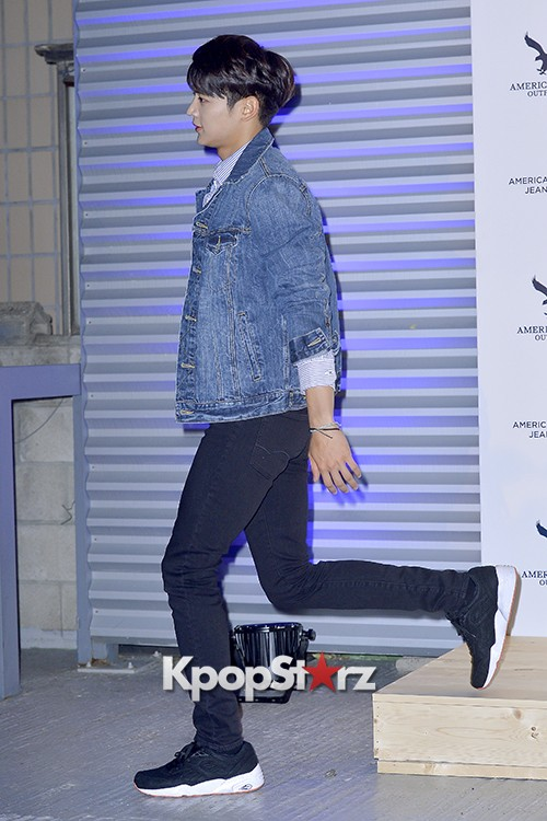 SHINee's Minho Attends American Eagle Outfitters Launching Event key=>17 count20