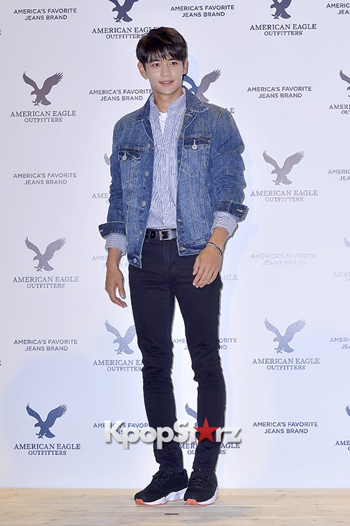 SHINee's Minho Attends American Eagle Outfitters Launching Event key=>19 count20