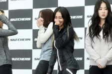 Soyou appeared distant in Friday fan meeting with SISTAR.
